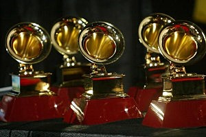 Grammy Statues pic