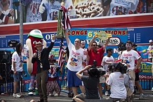 Joey 'Jaws' Chestnut Wins Hot Dog Eating Contest Again!