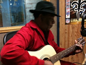 bluesman gitlo performing live on ktdy