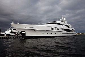 Tiger Woods' Boat 1