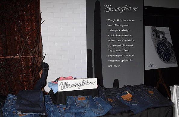 Wrangler Jeans Display