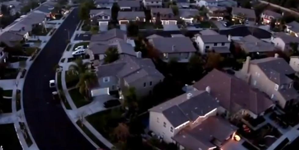 Entire Neighborhood Synced Their Christmas Lights To The Same Music
